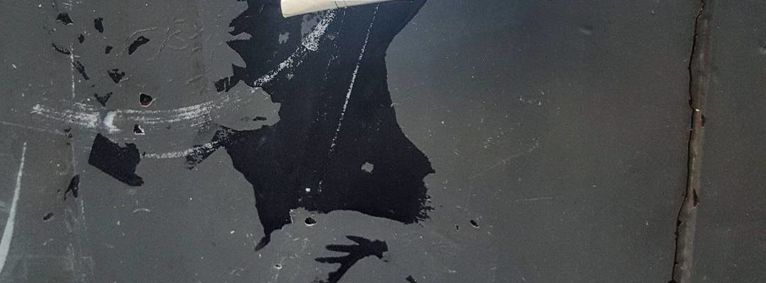 Le lanceur de fleurs – Street art de Banksy, Paris