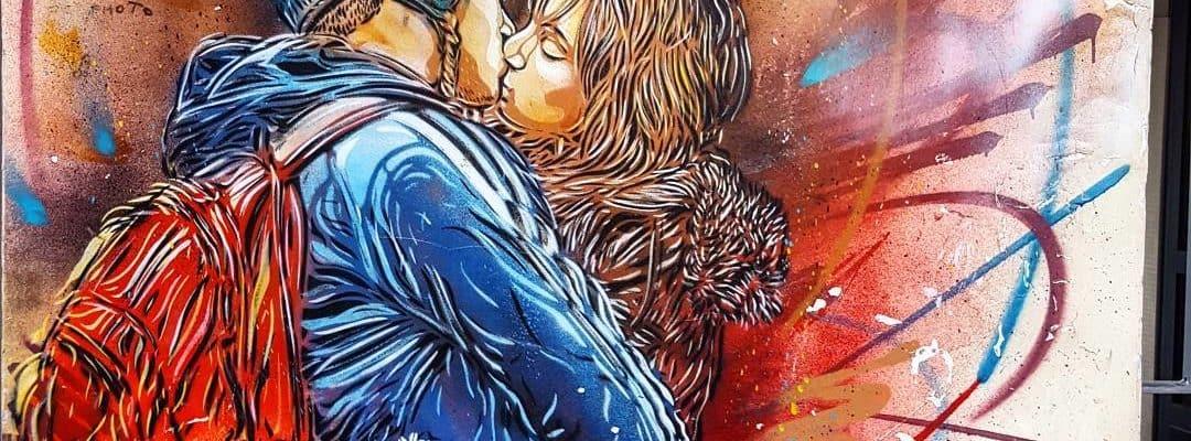 Le baiser – Street art de c215, Vitry-sur-Seine