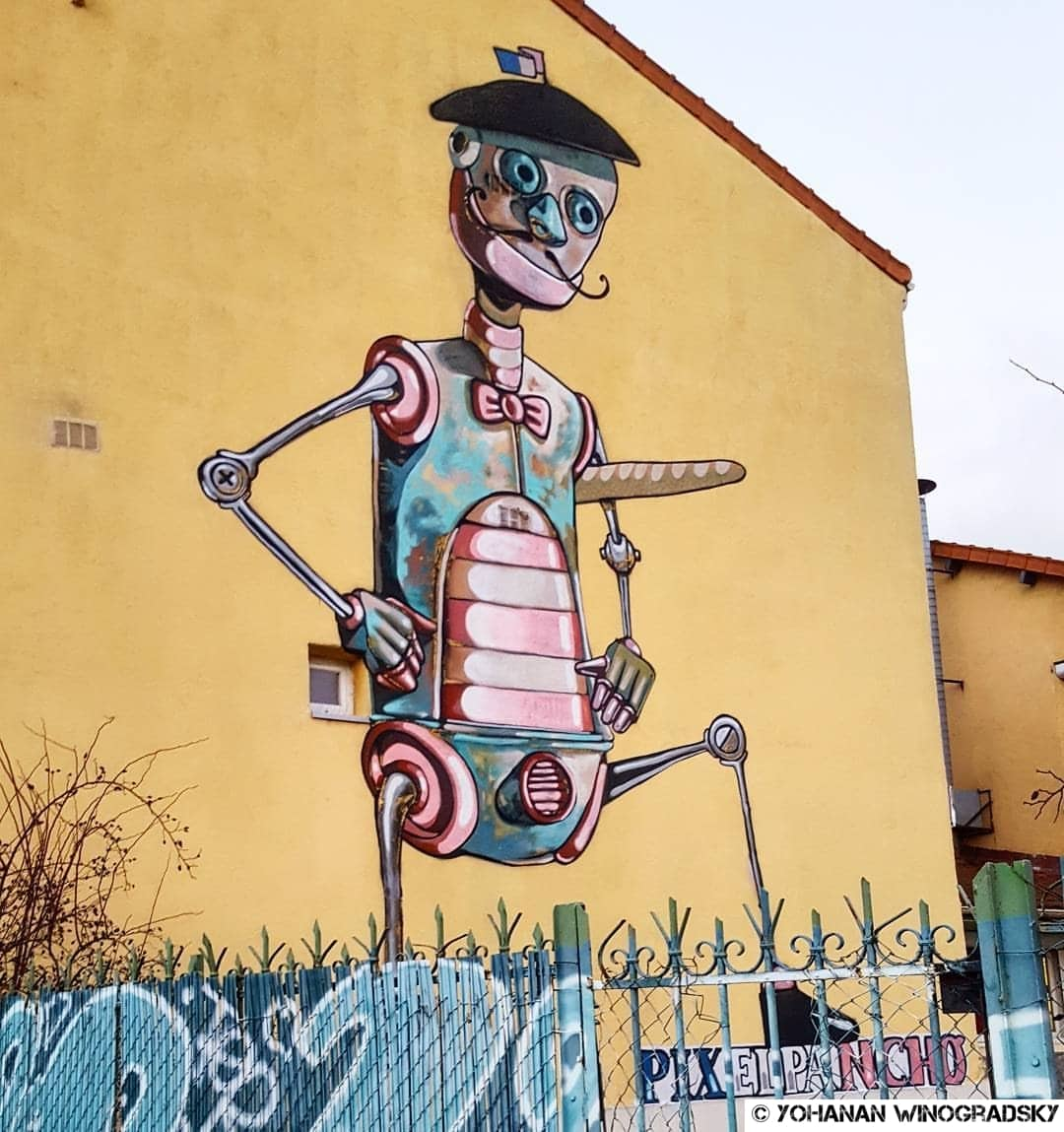 Egalité salariale pour les robots – Street art de Pixel Pancho, Vitry-sur-Seine