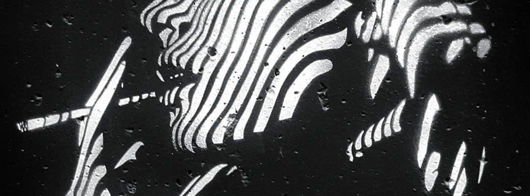 La femme dans l'ombre – Street art de Rénald Zapata, Paris
