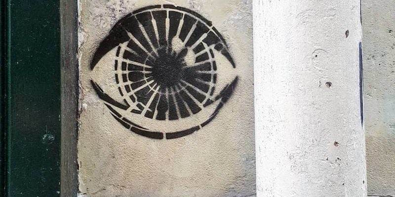 Big Brother is watching you – Street art, Paris