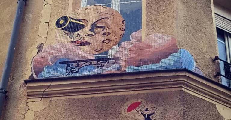 Le voyage dans la Lune de Georges Méliès – Street art en mosaïques, Montreuil