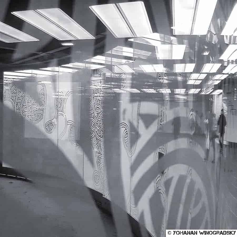streetart par jordane saget à la station rer chatelet les halles